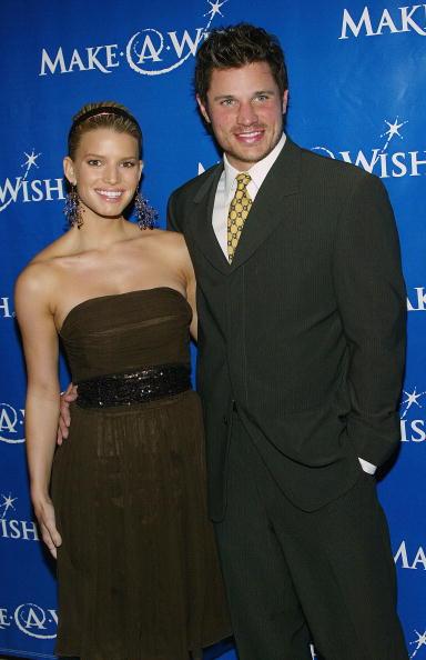 Strapless Dress「Make A Wish Foundation」:写真・画像(7)[壁紙.com]