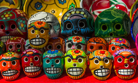 Gift Shop「Ceramic skulls for sale at historic Mayan Chichen Itza, Puuc Region, Yucatan, Mexico」:スマホ壁紙(7)
