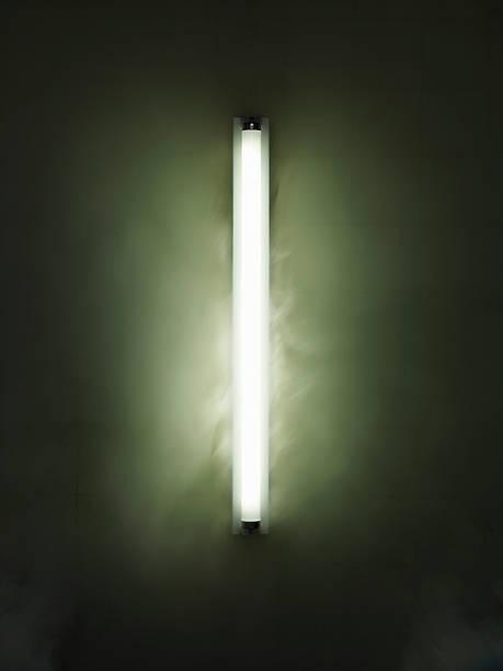 Fluorescent light:スマホ壁紙(壁紙.com)