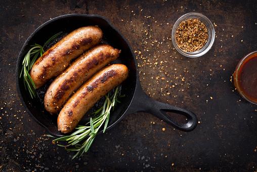 Cast Iron「Sausages in a skillet」:スマホ壁紙(11)