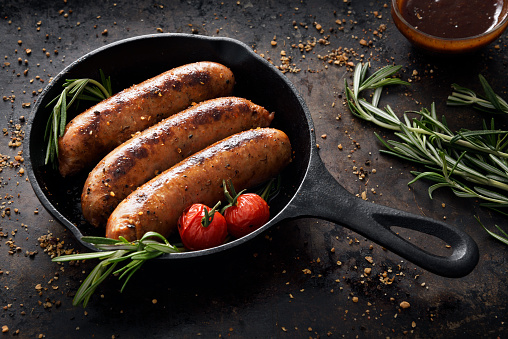 Cast Iron「Sausages in a skillet」:スマホ壁紙(12)