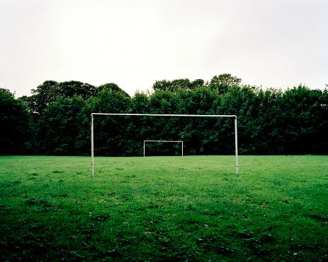 Goal Post「Goal posts on grass football pitch」:スマホ壁紙(10)