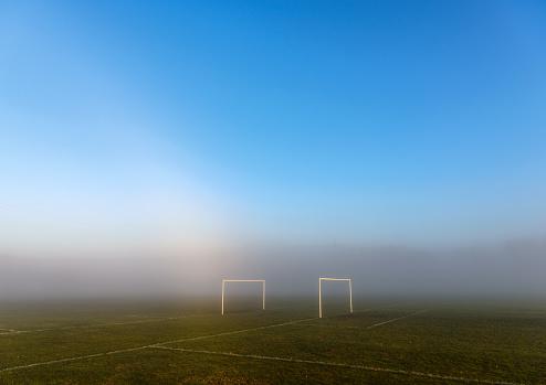 Goal Post「Goal posts in morning fog」:スマホ壁紙(17)