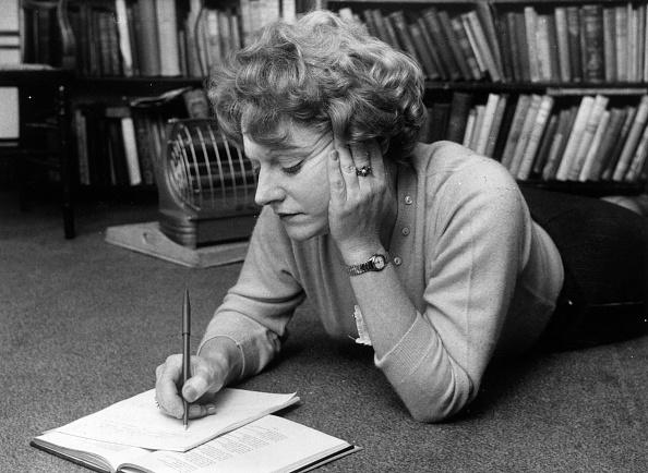 Note Pad「Muriel Spark」:写真・画像(3)[壁紙.com]