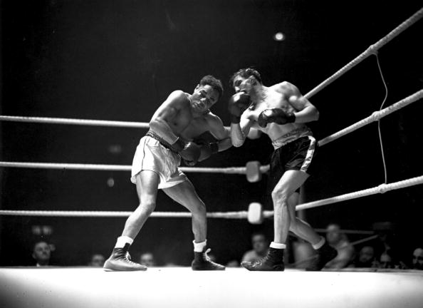 Two People「Welter Weight Fight」:写真・画像(16)[壁紙.com]