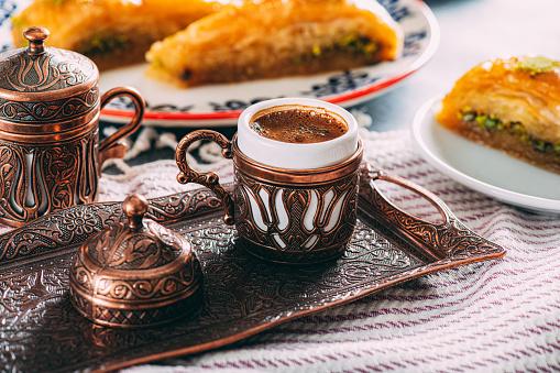 Porcelain「Turkish Coffee and Traditional Dessert Baklava」:スマホ壁紙(13)