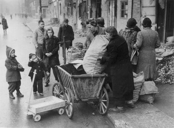 Postwar「Post-War Berlin」:写真・画像(0)[壁紙.com]