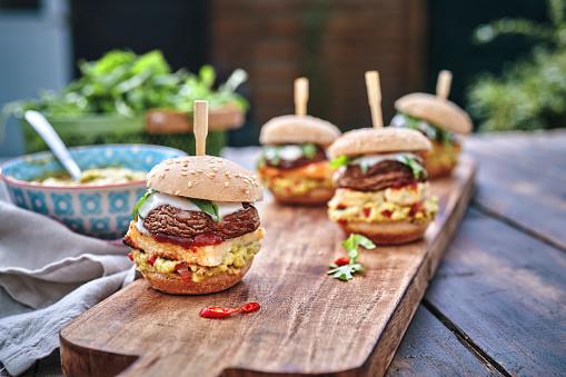 Portobello Mushroom「Mini Veggie Burger with Grilled Cheese, Mushroom, Guacamole and Arugula」:スマホ壁紙(5)
