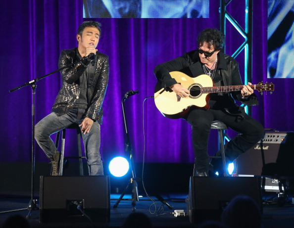 Neal Schon「2013 Summer TCA Tour - Day 13」:写真・画像(13)[壁紙.com]