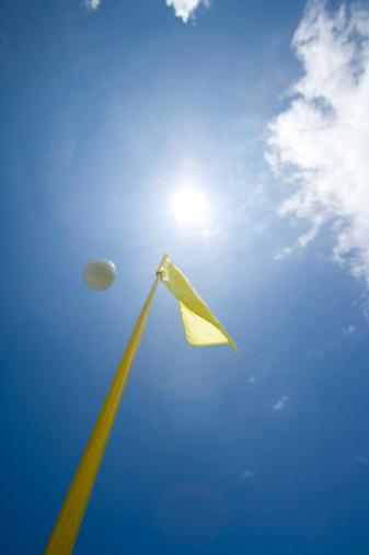 Northern Mariana Islands「Flying Golf Ball in Blue Sky」:スマホ壁紙(13)