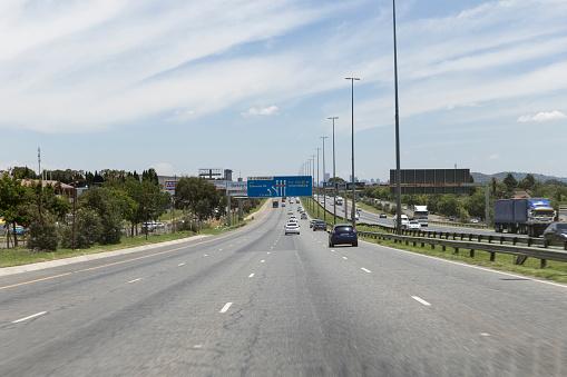 Electricity Pylon「Urban life in Johannesburg, South Africa」:スマホ壁紙(3)