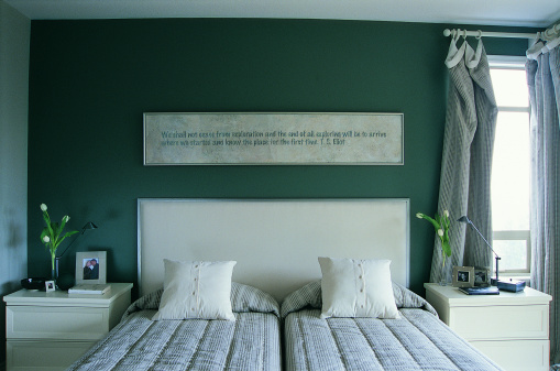 Horizontal「Twin Beds Pushed Together」:スマホ壁紙(12)