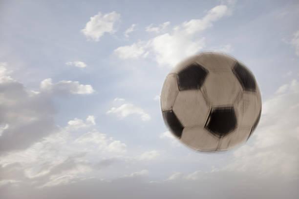 USA, Utah, Lehi, Soccer ball against sky:スマホ壁紙(壁紙.com)