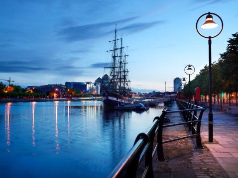 Liffey River - Ireland「Dublin at night」:スマホ壁紙(11)