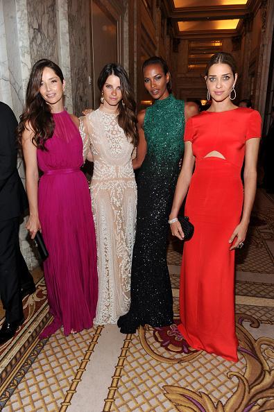 Ana Beatriz Barros - Fashion Model「4th Annual amfAR Inspiration Gala New York - Inside」:写真・画像(4)[壁紙.com]