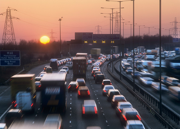Multiple Lane Highway「Rush hour traffic on the M60 near Manchester, UK.」:写真・画像(14)[壁紙.com]