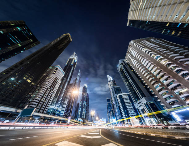 Rush Hour Traffic on Sheikh Zayed Road at Night:スマホ壁紙(壁紙.com)