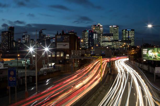 London's Rush Hour Traffic:ニュース(壁紙.com)