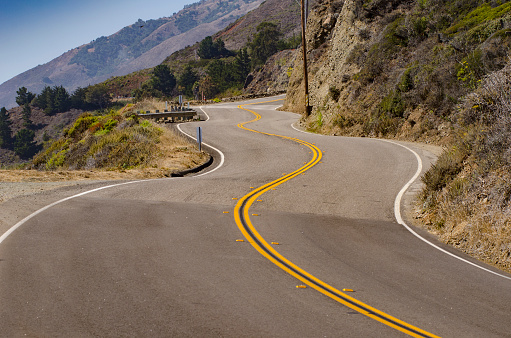 California State Route 1「Empty road on remote hillside」:スマホ壁紙(2)