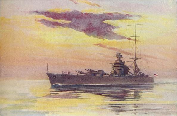 Water Surface「A Modern Battleship」:写真・画像(0)[壁紙.com]