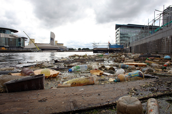 River「Rubbish Pollutes Manchester Ship Canal」:写真・画像(14)[壁紙.com]