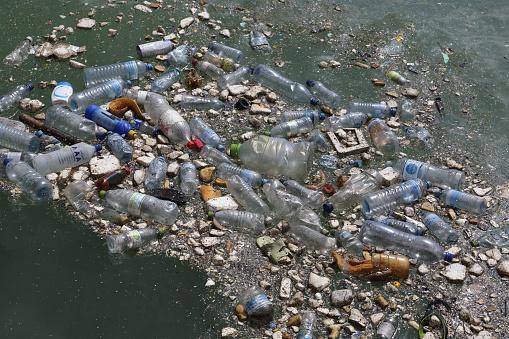 Water Surface「Plastic bottles & garbage floating in Indian Ocean.」:スマホ壁紙(7)