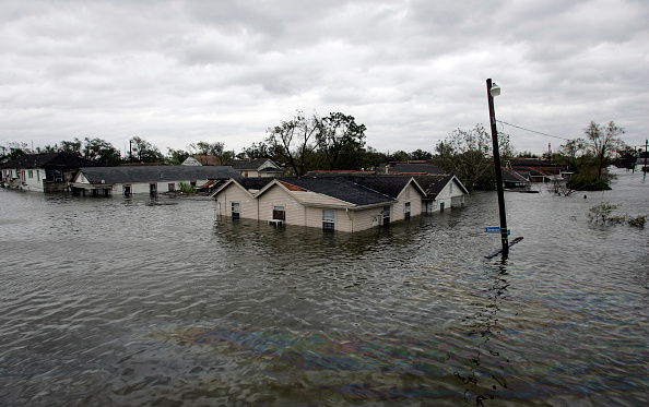 Pensacola「Hurricane Katrina Hits The Gulf Coast」:写真・画像(13)[壁紙.com]