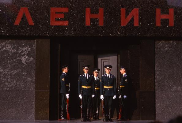 Security「Changing Guard At Lenins Tomb」:写真・画像(2)[壁紙.com]