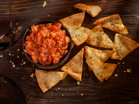 Salsa Sauce「Bruschetta with Baked Pita Chips」:スマホ壁紙(14)
