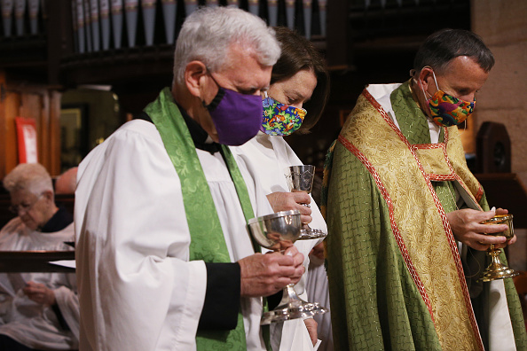 Human Head「Sunday Church Services Resume In Sydney As NSW COVID-19 Restrictions Are Eased」:写真・画像(2)[壁紙.com]