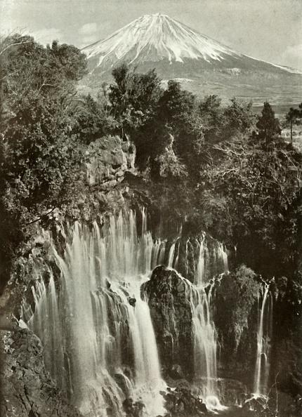 Mountain Peak「Fuji And The Shira-Ito Waterfall」:写真・画像(15)[壁紙.com]