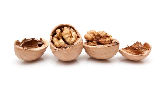 Walnut「Walnuts isolated on white background」:スマホ壁紙(19)