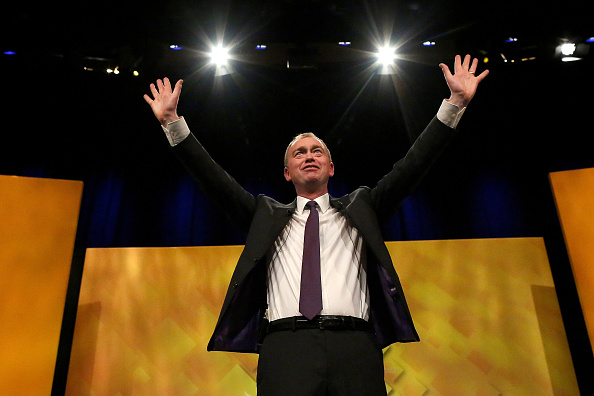 Arms Raised「Liberal Democrat Party Hold Their Annual Spring Conference」:写真・画像(6)[壁紙.com]