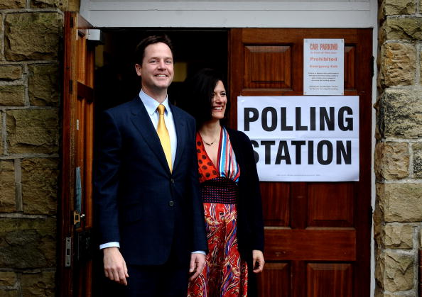 Methodist「Nick And Miriam Clegg Cast Their Vote In The 2010 General Election」:写真・画像(3)[壁紙.com]