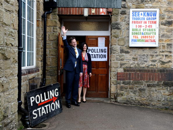 Methodist「Nick And Miriam Clegg Cast Their Vote In The 2010 General Election」:写真・画像(2)[壁紙.com]
