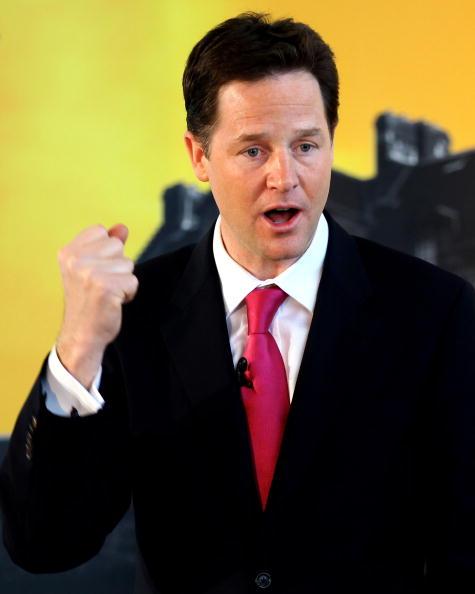 Vitality「Nick Clegg Takes The Lib Dem Campaign To Edinburgh」:写真・画像(8)[壁紙.com]