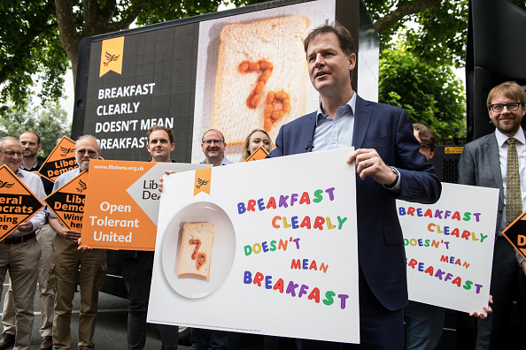 Decisions「Nick Clegg Launches Poster Attacking Tories Decision To Scrap Free School Lunches」:写真・画像(9)[壁紙.com]