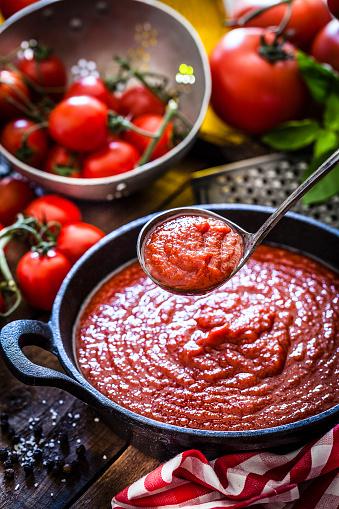 Cast Iron「Tomato sauce」:スマホ壁紙(13)