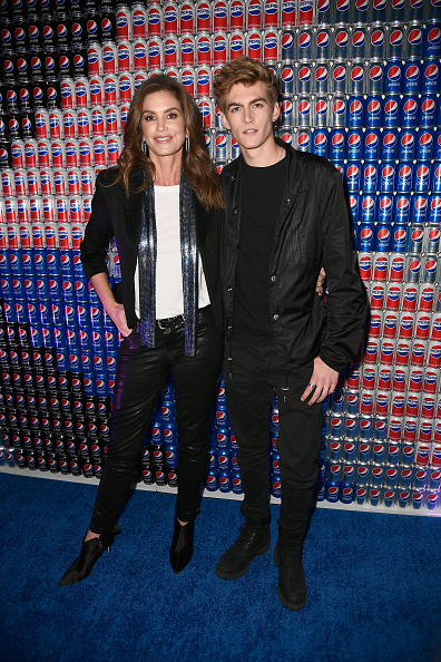 Cindy Crawford「Pepsi Generations Live Pop-Up」:写真・画像(5)[壁紙.com]