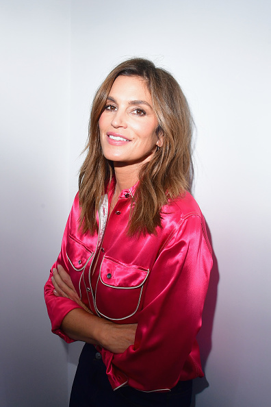 Cindy Crawford「Acne Studios Hosts Exhibition - Cocktail」:写真・画像(2)[壁紙.com]