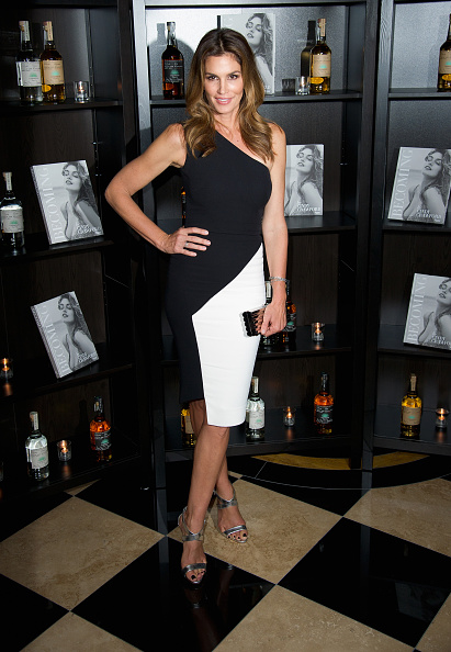 Book Release「Casamingos Tequila & Cindy Crawford Book Launch Party - Red Carpet Arrivals」:写真・画像(8)[壁紙.com]