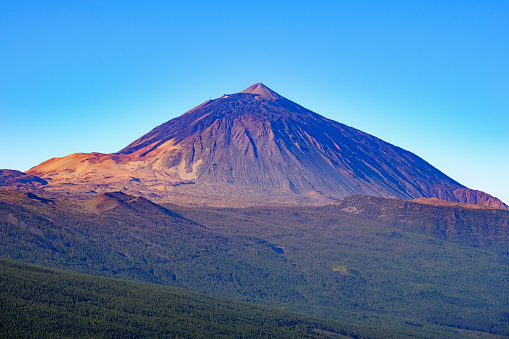 Atlantic Islands「Spain, Tenerife, Teide National Park, Pico del Teide as seen from Mirador de Chipeque」:スマホ壁紙(12)