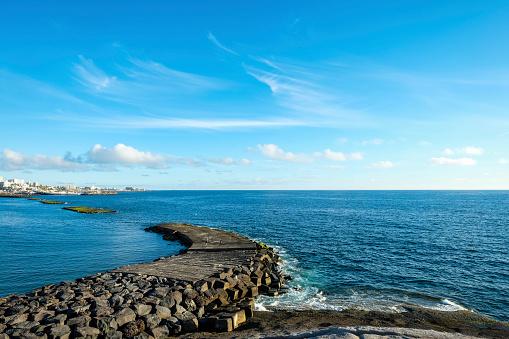 Groyne「Spain, Tenerife, ocean with a pier」:スマホ壁紙(14)