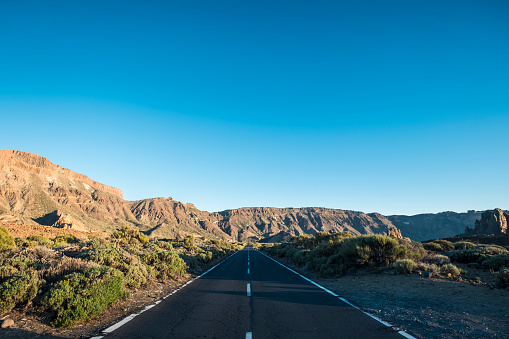 Empty Road「Spain, Tenerife, empty road in El Teide region」:スマホ壁紙(6)