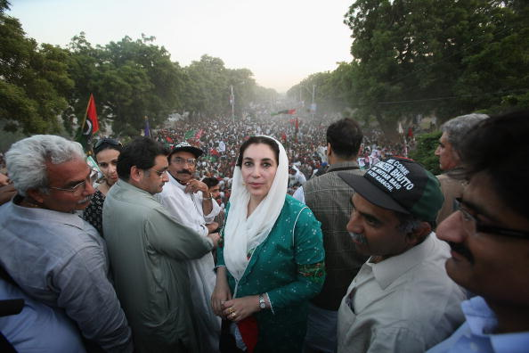 Pakistan「Former Prime Minister Benazir Bhutto Returns To Pakistan」:写真・画像(9)[壁紙.com]