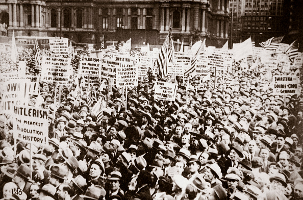 Mad Max: Fury Road「Demonstration Against Hitler In Front Of City Hall Philadelphia Pennslyvania USA Early 1930s」:写真・画像(11)[壁紙.com]