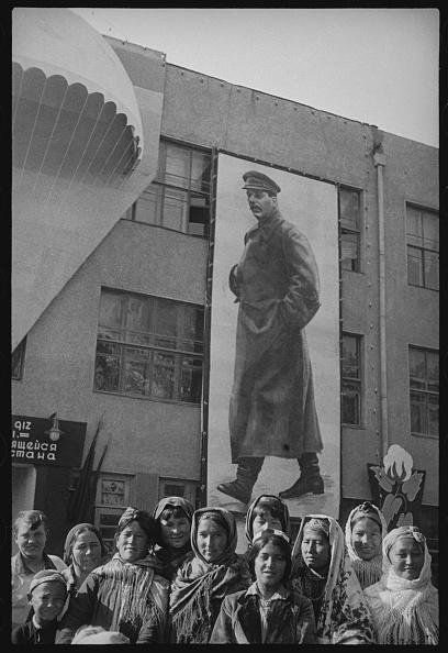 Tashkent「In The Red Square」:写真・画像(0)[壁紙.com]