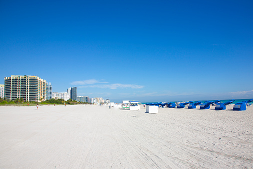 Miami Beach「White sand and blue sky, Miami Beach」:スマホ壁紙(13)