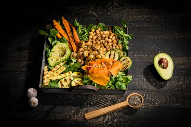 Various vegetables, lamb's lettuce, chia, pine nuts and garlic:スマホ壁紙(壁紙.com)