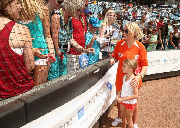 Jamie Lynn Spears「City of Hope Celebrity Softball Game at CMA Festival - Game」:写真・画像(18)[壁紙.com]
